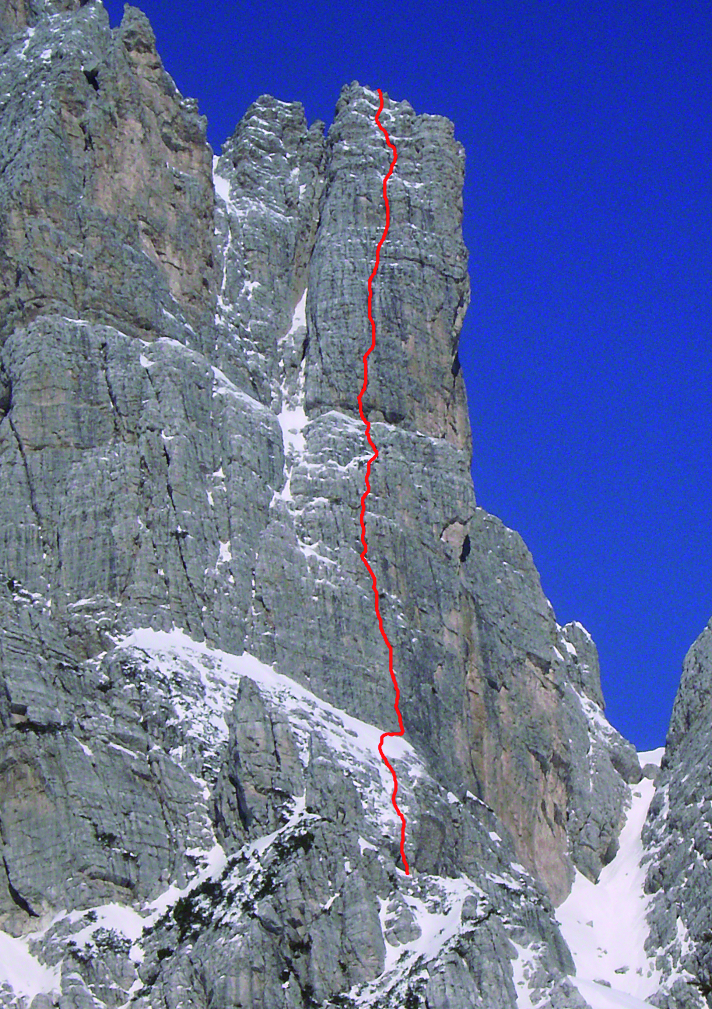 TORRE JOLANDA (2350 m) | Rifugio Carestiato